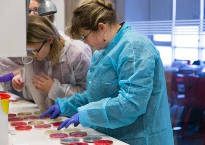 Podstawy-Mikrobiologii-Weterynaryjnej_MG_2531