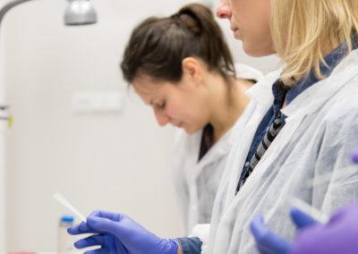Podstawy-Mikrobiologii-Weterynaryjnej_MG_2548