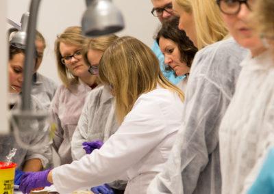 Podstawy-Mikrobiologii-Weterynaryjnej_MG_2567