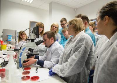 Podstawy-Mikrobiologii-Weterynaryjnej_MG_2610