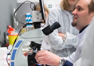 Podstawy-Mikrobiologii-Weterynaryjnej_MG_2611