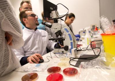 Podstawy-Mikrobiologii-Weterynaryjnej_MG_2613