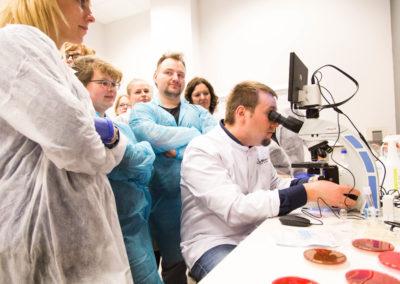 Podstawy-Mikrobiologii-Weterynaryjnej_MG_2618